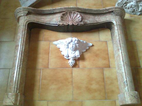 realizza inoltre statue in marmo fontane lavelli e arredo bagno mobili per larredo giardino portali mascheroni gambe per tavoli e
