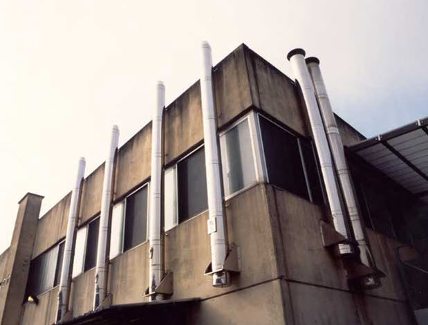 Cucine a torino idee di architettura d 39 interni e - Stufe a pellet esterne ...