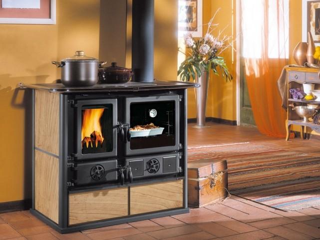 Le cucine a legna in maiolica tra design di pregio e ...