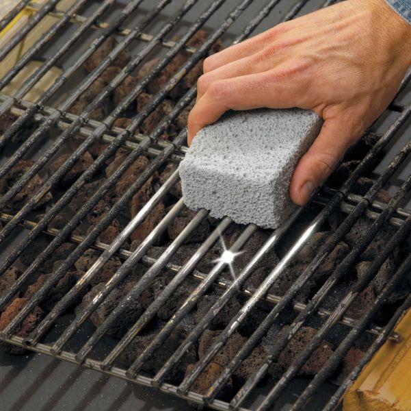 Pulire pietra lavica barbecue