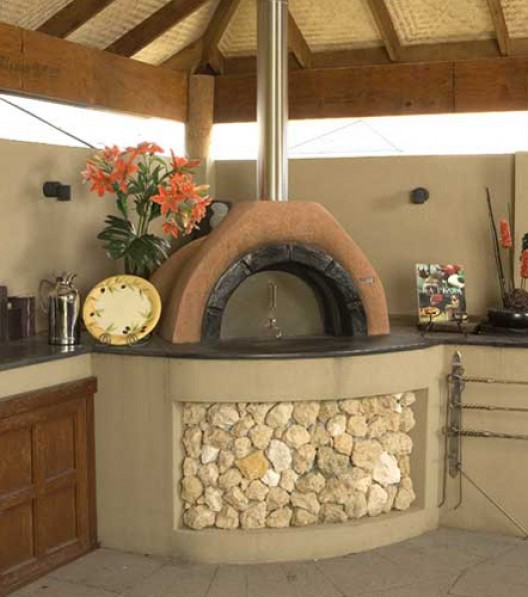 Best forno a legna in cucina photos home interior ideas for Stufa a legna per veranda protetta