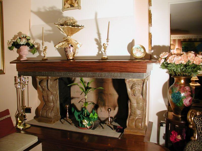 Tavolo con struttura in ferro battuto e piano in cristallo Photos, les ...