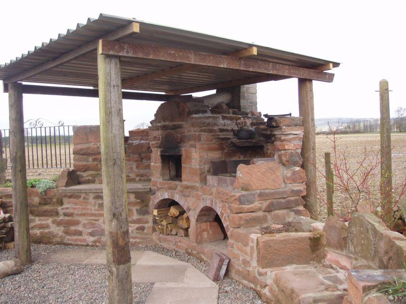 Caminetto per esterno caminetti interni prezzi caminetti - Barbecue da esterno ...