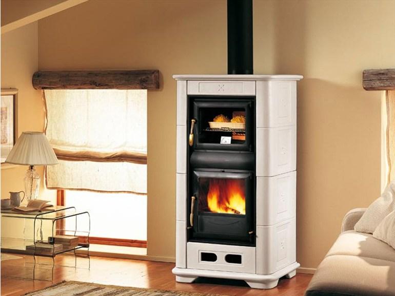 Costo e differenza di prezzo tra le termostufe a legna e a pellet
