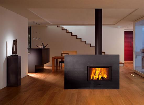 Quanto costa riscaldarsi con una stufa a legna: tabelle e confronti